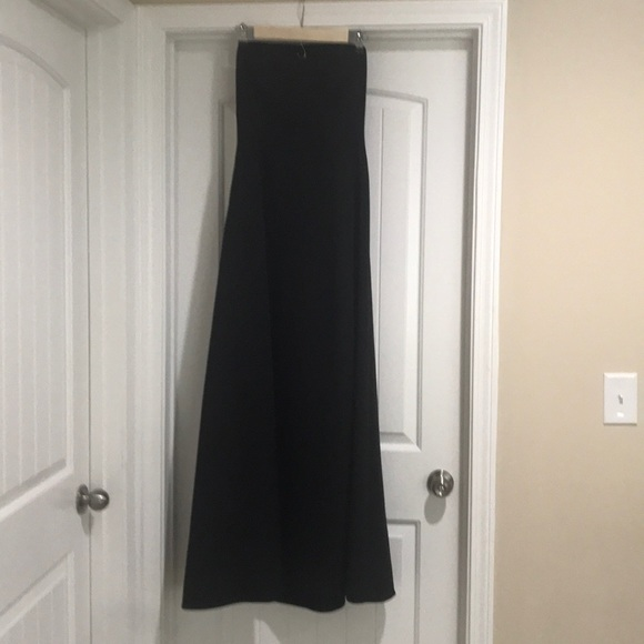 Laundry By Shelli Segal Dresses & Skirts - Vintage Laundry backless formal gown.
